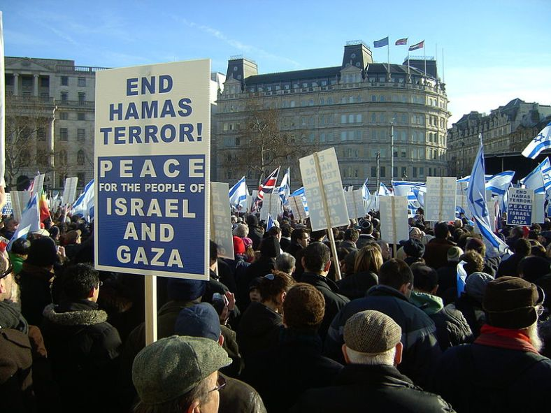 800px-Israel_peace_rally,_London_Jan_11_2009_P